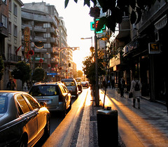 El sol se pone en la calle Recogidas
