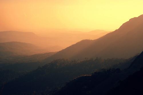 mist mountains bravo eveningsun kerala southindia ponmudi specland abigfave flickrplatinum seemakk