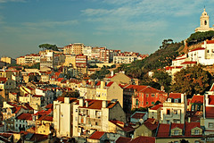 Lissabon Altstadtblick (mit Baum)
