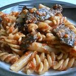 Pasta mit Beefsteak und Paprika-Mandel-Soße