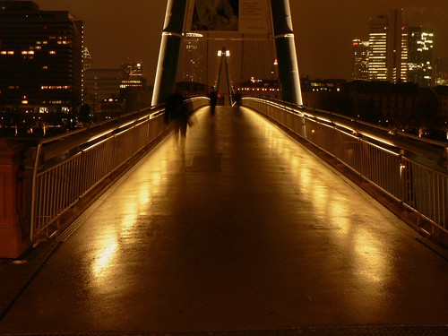 walking on bridge by ivan slunjski - BlogNotiz.De