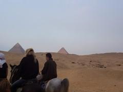 steppe(0.0), plain(0.0), plateau(0.0), wadi(0.0), erg(1.0), sand(1.0), pyramid(1.0), aeolian landform(1.0), natural environment(1.0), monument(1.0), desert(1.0), landscape(1.0),