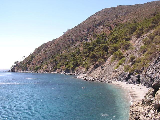 Trekking: Naturist beach: le Jonquet, cap Sicie, Provence. Var. france