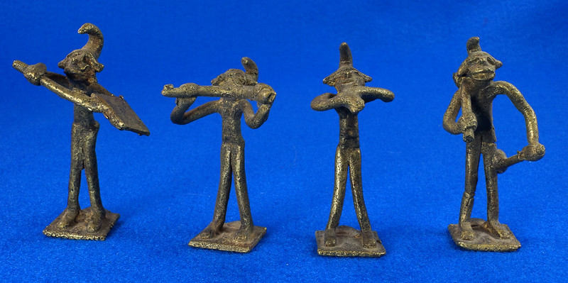RD14630 4 Vintage African Hand Made Folk Art Primitive Figurines Solid Cast Brass Burkina Faso Yoruba West Africa DSC07074