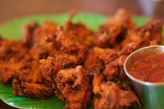 tandoori chicken(0.0), produce(0.0), satay(0.0), fried food(1.0), chicken tikka(1.0), pakora(1.0), food(1.0), dish(1.0), cuisine(1.0),