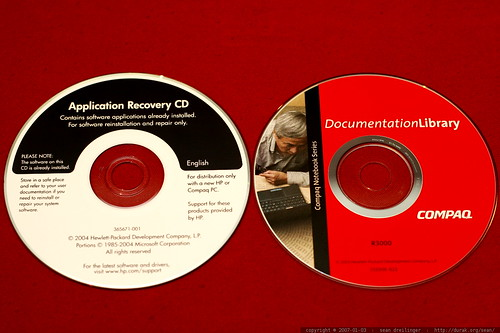 compaq application recovery and documentation discs    MG 8683