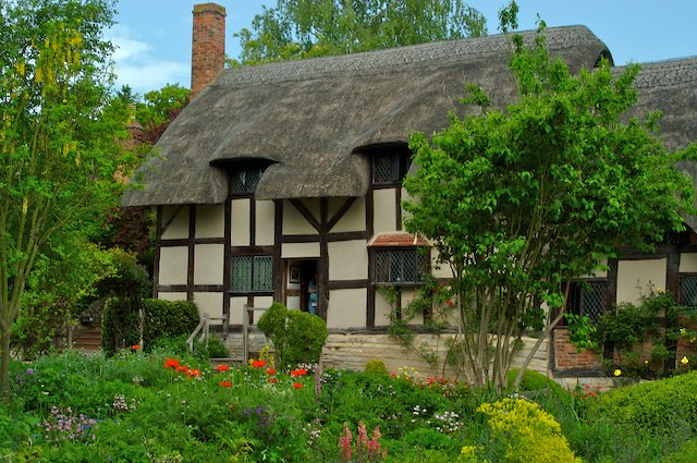 Thatched Roof Cottages Decor To Adore