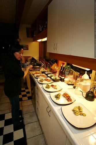 grandma neeta plating xmas dinner    MG 8220