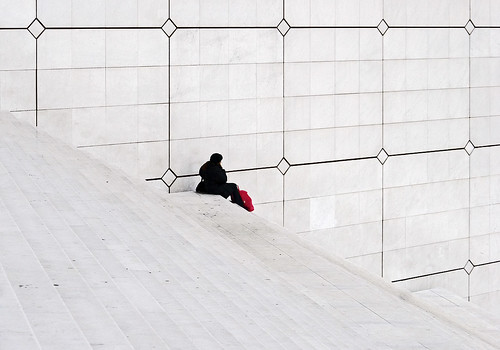 one whiter square : la grande arche