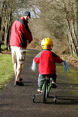 bike lessons with grandpa    MG 8245
