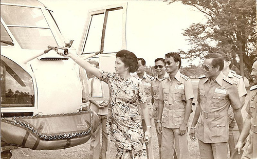 First Lady inaugurating the Puma (helicopter)