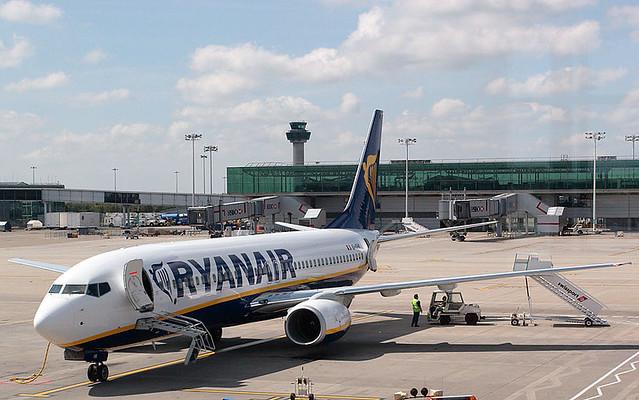 Ryanair Boeing 737-800 EI-DHK