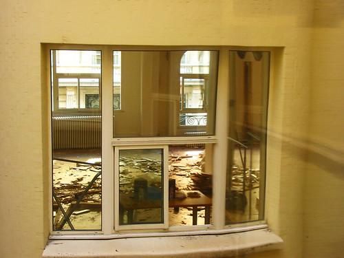 Mes fenêtres donnent sur la cour