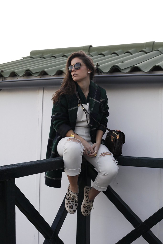018_Green_tartan_coat_theguestgirl_outfit_laura_santolaria_blogger_barcelona_influencers_inspo_looks_casual