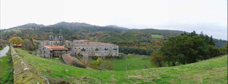 Pb050011_Via_de_la_Plata_Etapa_6_Monasterio_Oseira_panoramica