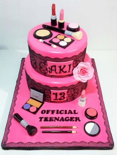 Make Up Themed Cake by Jenna Reanoga of FOUR EYED BAKER Cakes and Cupcake by Jenna