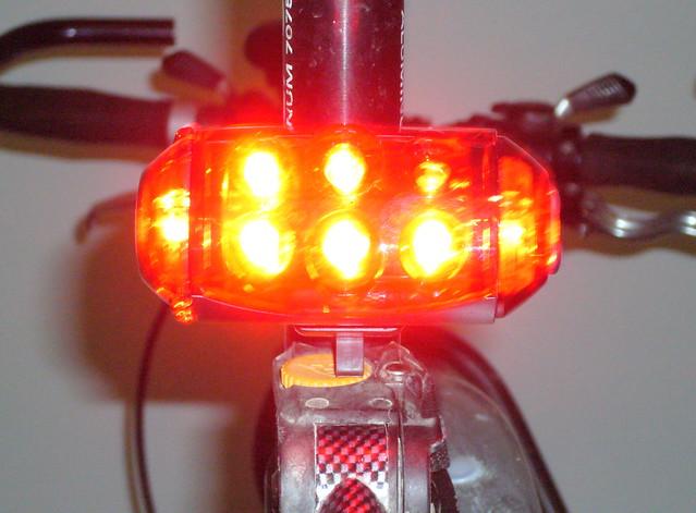 Как сделать фонарик для велосипеда своими руками