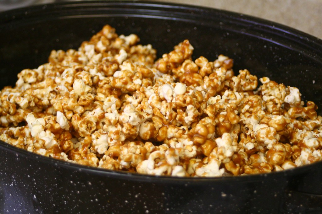 popcorn caramel-coated, without peanuts, snacks