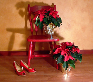 MERRY CHRISTMAS, or red shoes 17 / red chair 52