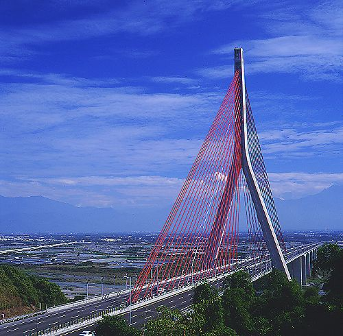 7008南二高斜張橋