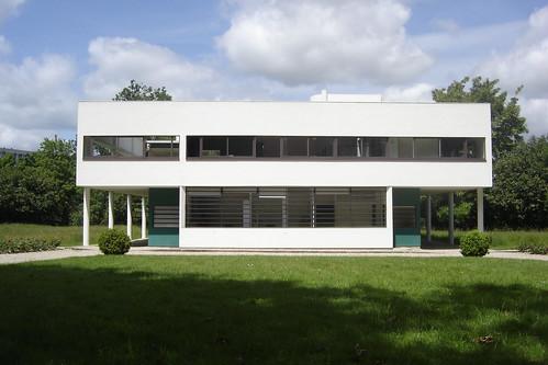Villa Savoye :: Le Corbusier