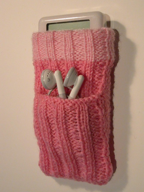 Hand knitted iPod socks My mum, Brenda, knits these. For t? Flickr - Phot...
