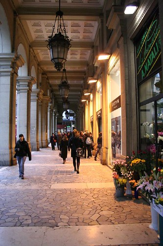 7_Professional_Tips_for_Shopping_in_Bologna_4