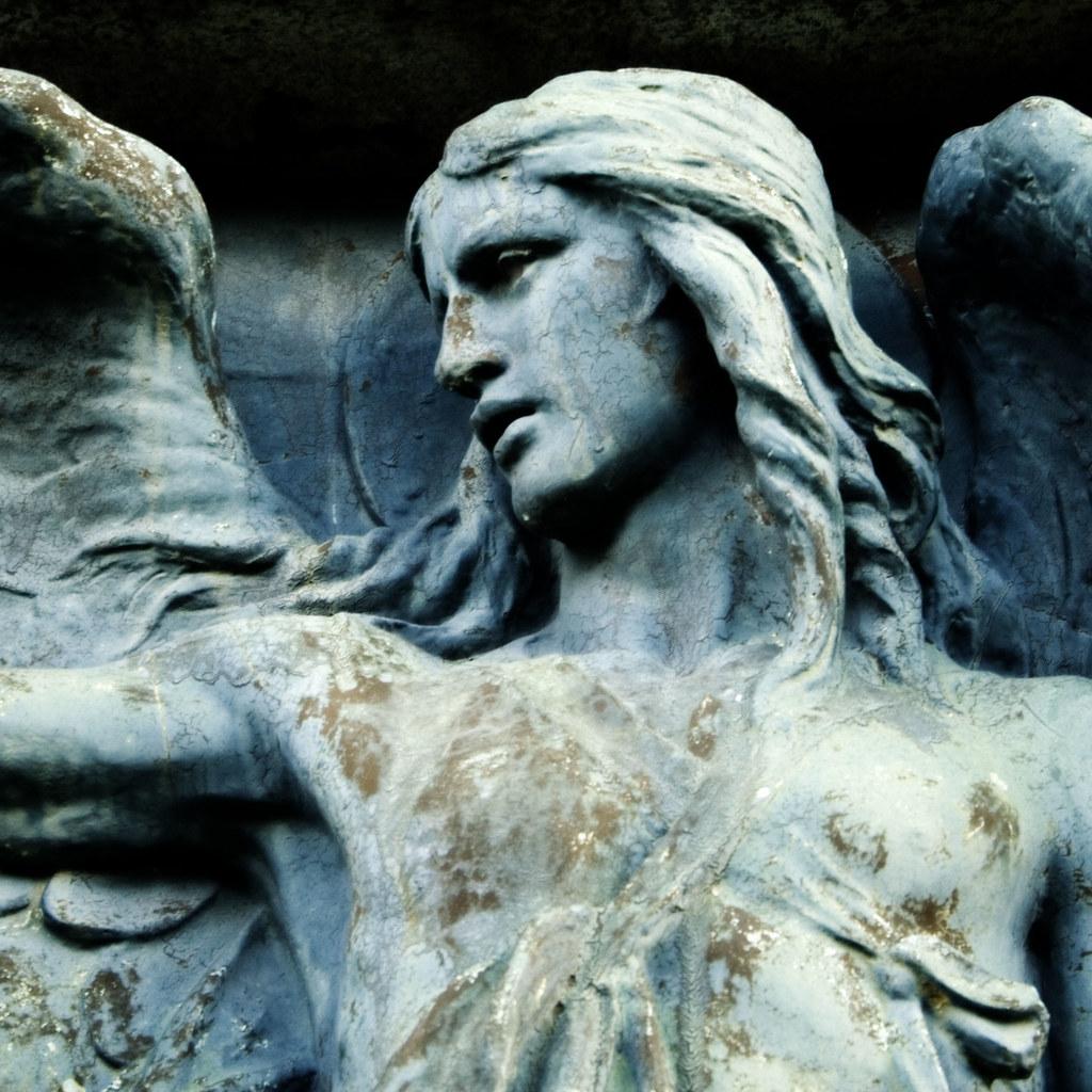 Statue d'un ange dans la Glasgow Necropolis - Photo de Norma Desmond