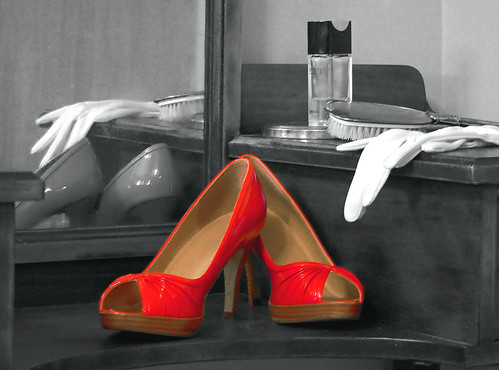 red shoes 16