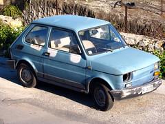 sedan(0.0), automobile(1.0), vehicle(1.0), city car(1.0), fiat 126(1.0), land vehicle(1.0),