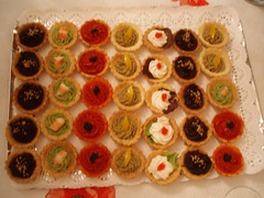cake(0.0), petit four(0.0), cupcake(0.0), icing(0.0), baking(1.0), baked goods(1.0), produce(1.0), food(1.0), dish(1.0), canapã©(1.0), dessert(1.0), cuisine(1.0),