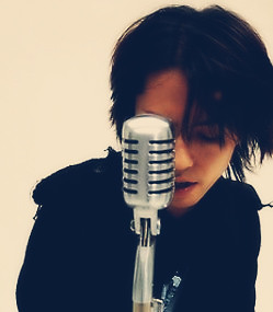 Sing for me Hyde *__*