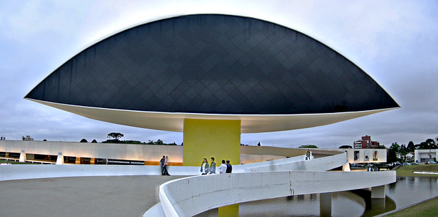 "Oscar Niemeyer Museum (aka ""big eye"")"