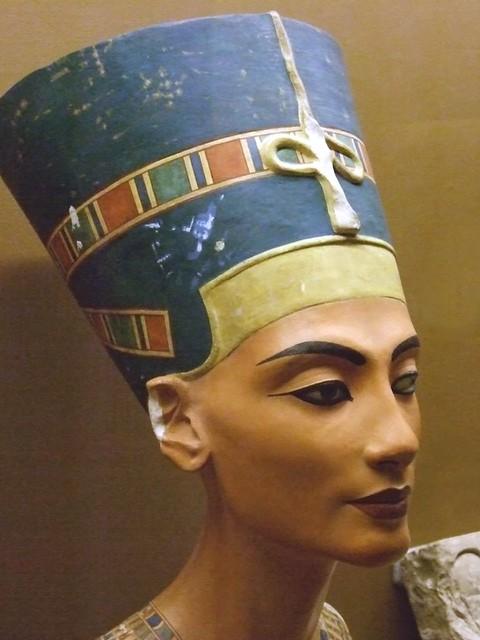 Replica Of The Bust Of Nefertiti 18th Dynasty Egypt 1
