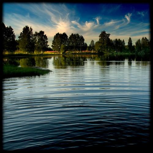 blue sky lake water clouds photoshop suomi finland square nikon 2006 100v10f d200 kuopio 20061219 ok6 ollik