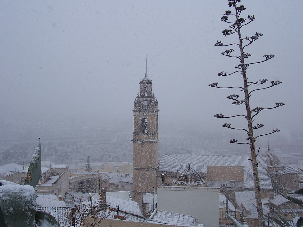 neu desde el castell