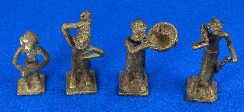 RD15104 4 Vintage African Hand Made Folk Art Primitive Figurines Solid Cast Brass Burkina Faso Yoruba West Africa DSC07094