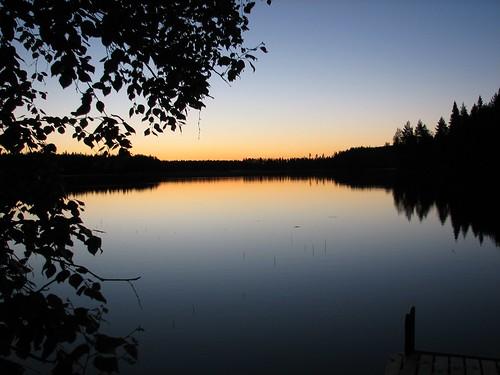 lake reflection night dock penttilänmäki pieniläänä