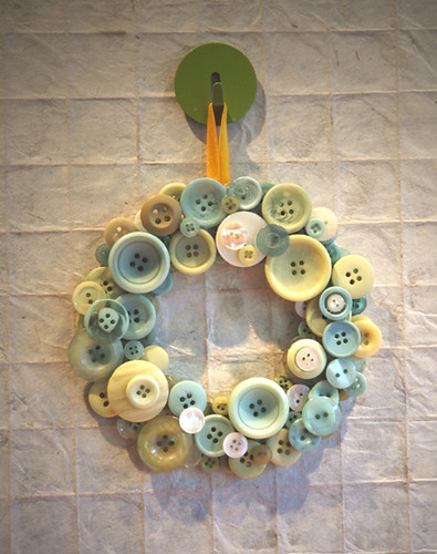 Green button wreath flickr photo sharing for Button crafts for adults