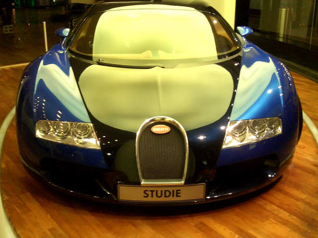 head on front on view of the bugatti veyron by andycunningham flickr. Black Bedroom Furniture Sets. Home Design Ideas
