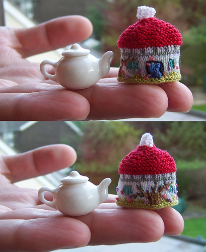 Cottage Tea Cozy ---- Miniature Version