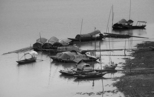 Đông về trên bến sông Hồng (Winter on Hong river)