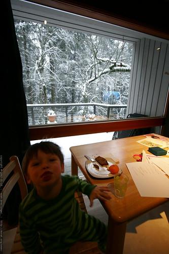 nick enjoying breakfast on this snow day    MG 9160