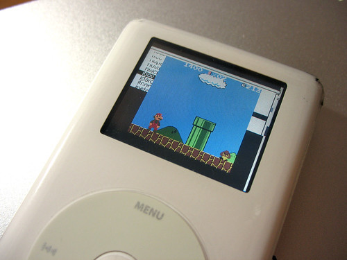 Playing Super Mario Bros (Gameboy Color Game) on iPod photo