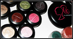 lip(0.0), cheek(0.0), human body(0.0), eye(0.0), eye shadow(1.0), pink(1.0), beauty(1.0), cosmetics(1.0), organ(1.0),