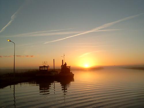 netherlands ferry sunrise canal pont kanaal friesland vaart fryslân langweer langwar thebiggestgroup langwarderfeart copyrightdavydutchy