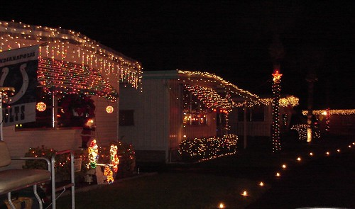 Mobile home park with christmas lights - christmas in a mobile home