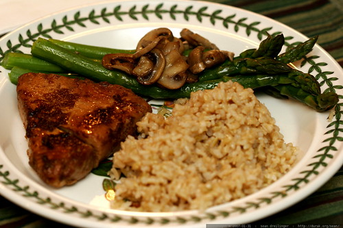 vegan seared ahi steak with asparagus, mushrooms, and brown rice    MG 0184