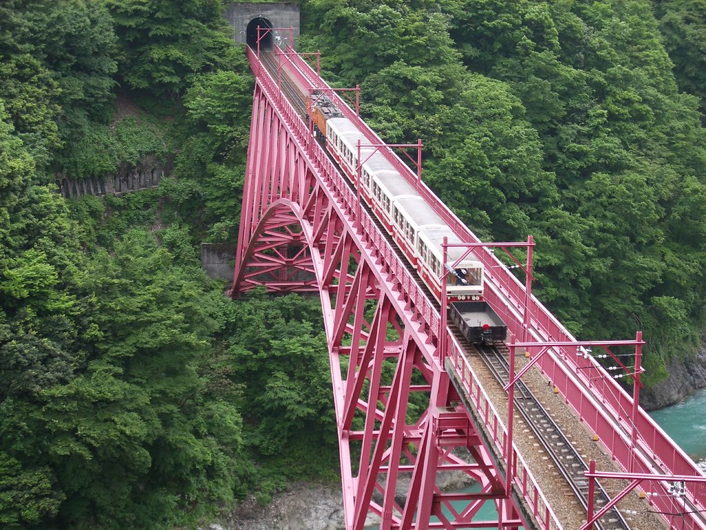 Kurobe Gorge Railway Best Train Rides In Japan