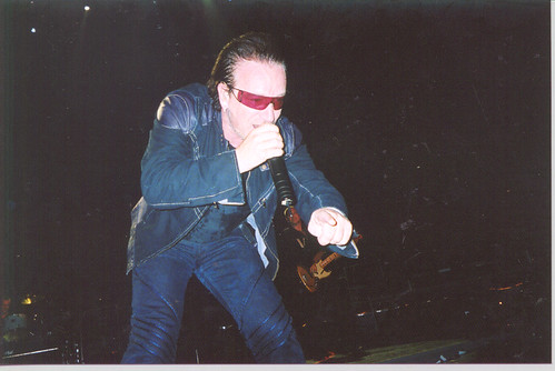 May 22/Philly 2/ Bono Pointing